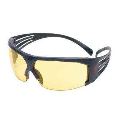 3M SecureFit Schutzbrille mit grauem Rahmen, Scotchgard Anti-Fog-Beschichtung, bernsteingelben Gläsern, SF603SGAF-EU